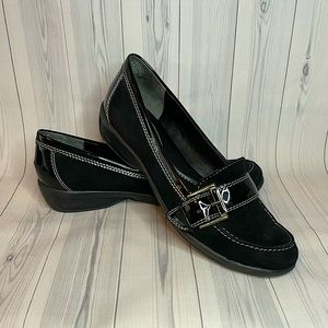 Bandolino 6.5 Black Soft Loafer with Buckle